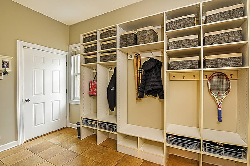 staging_butler_mudroom